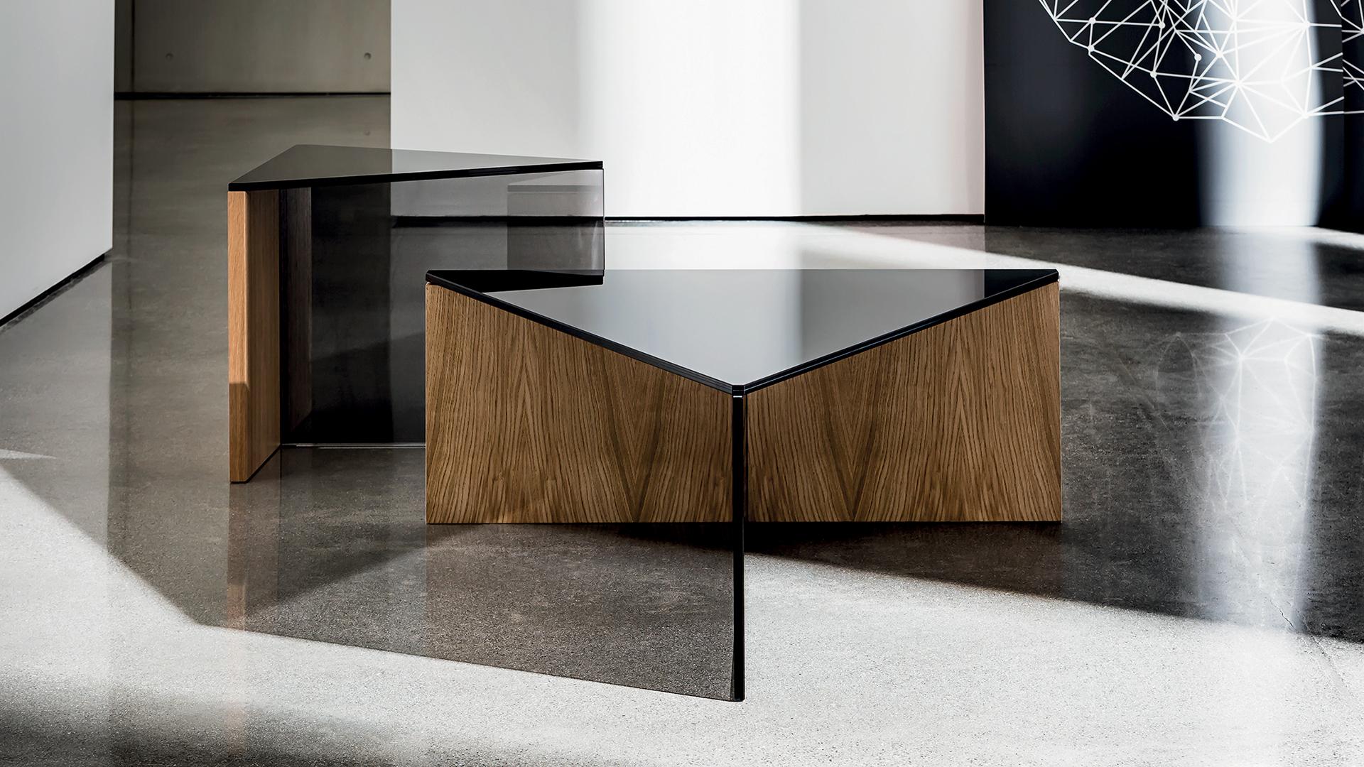 - REGOLO Triangular Natural Wood Coffee Table - SOVET