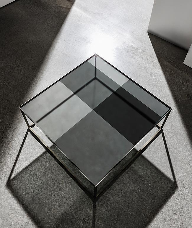 Quadro coffee table with different smoked tones